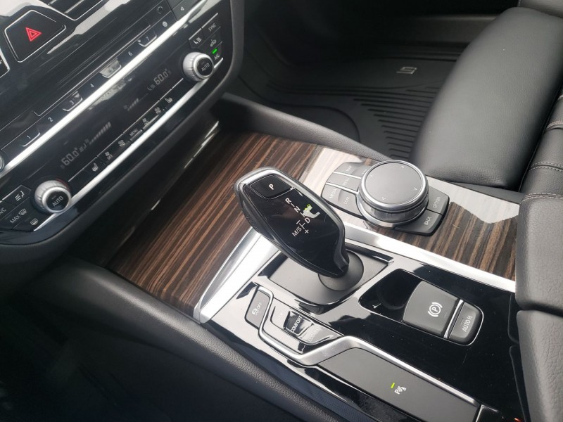 BMW 530i 2017 price $28,900