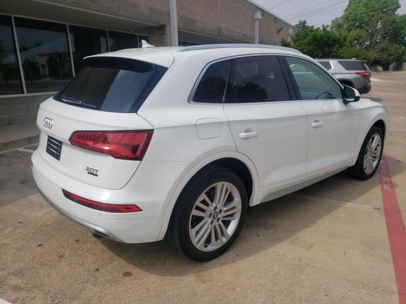 Audi Q5 2018 price $33,900