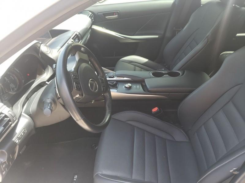 Lexus IS 350 F-Sport 2017 price $32,900