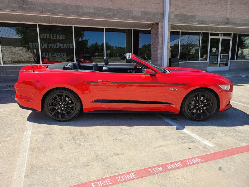 Ford Mustang GT Convertible 2015 price $29,900