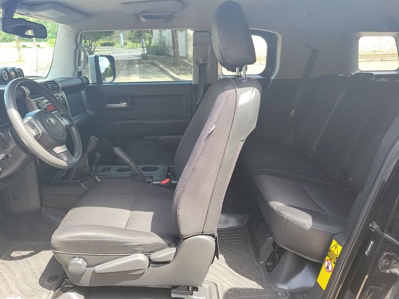 Toyota FJ Cruiser 2013 price $37,600