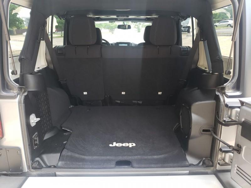 Jeep Wrangler Unlimited 2013 price $27,990
