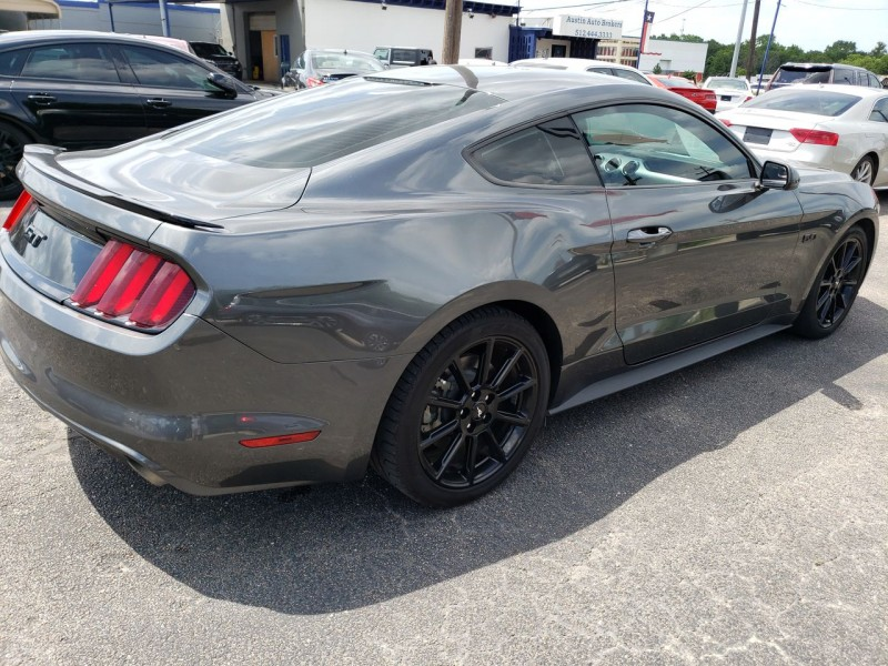 Ford Mustang GT 2016 price $32,900