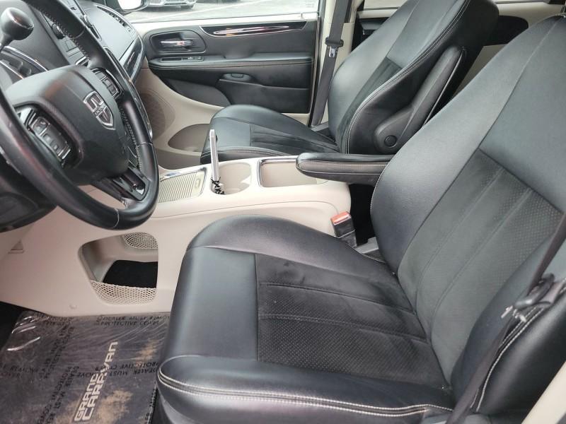 Dodge Grand Caravan 2017 price $17,500