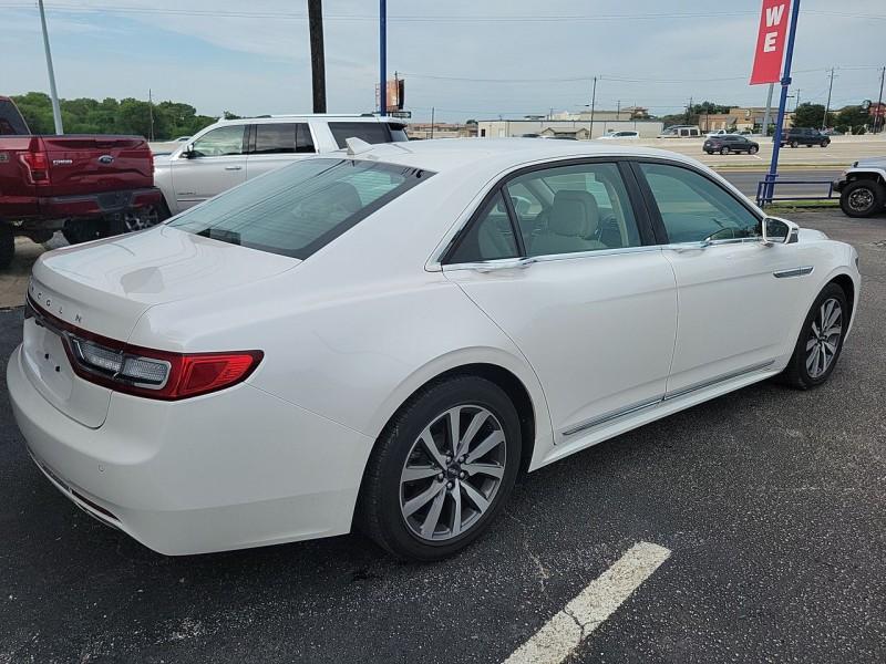 Lincoln Continental 2019 price $31,990