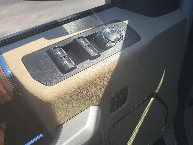 Ford F-150 Lariat 2015 price $35,900