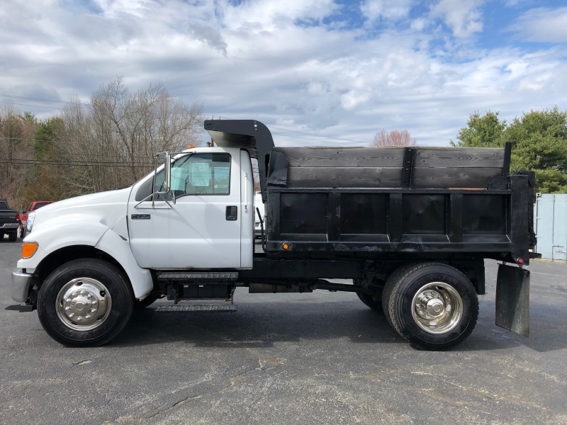 Ford Super Duty F-750 Straight Frame 2005 price $20,500