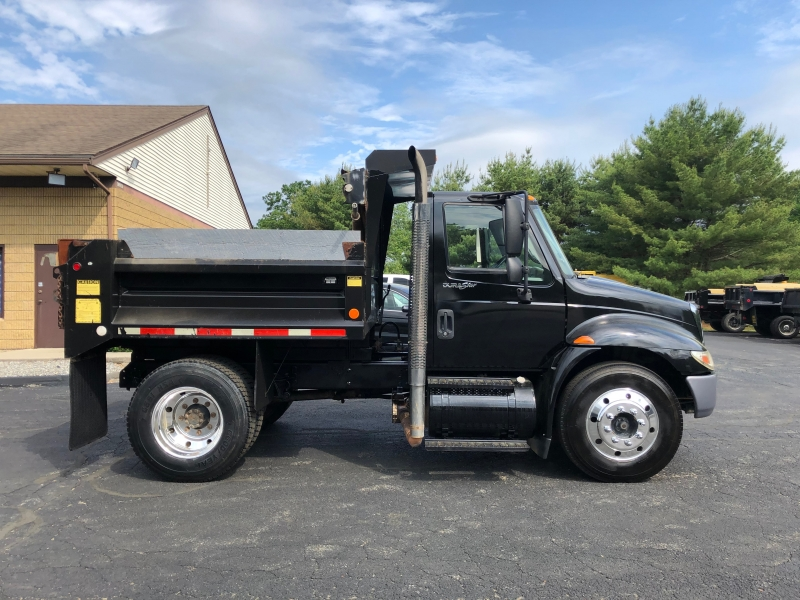 International 4300 2009 price $32,500