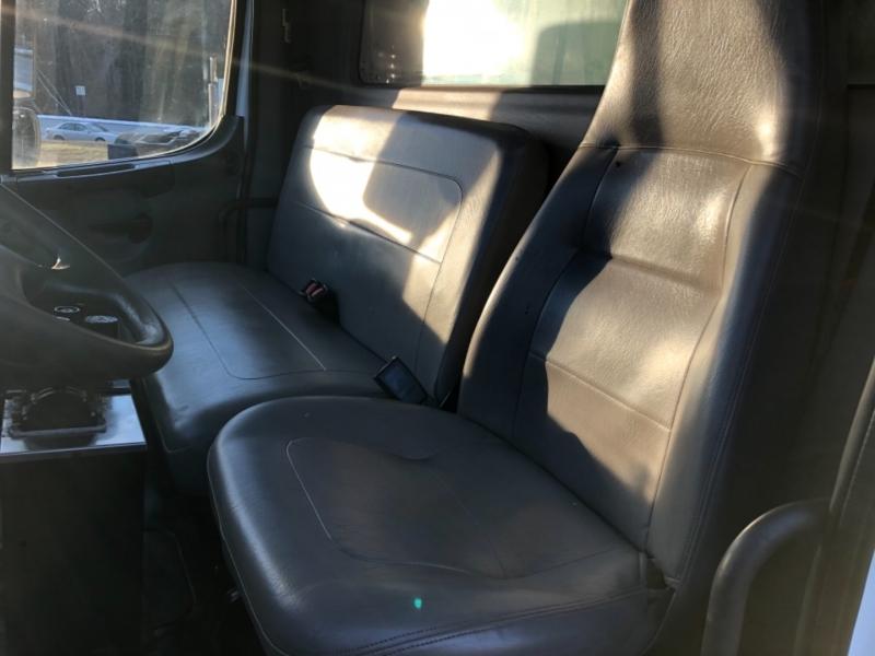 Freightliner m2106 2009 price $39,900