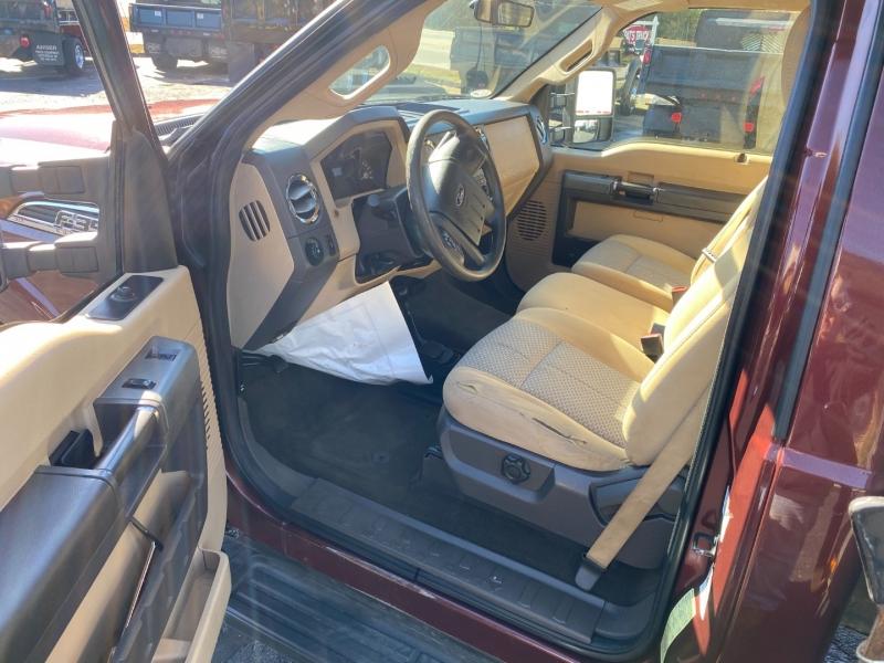 Ford Super Duty F-350 DRW 2011 price $28,900