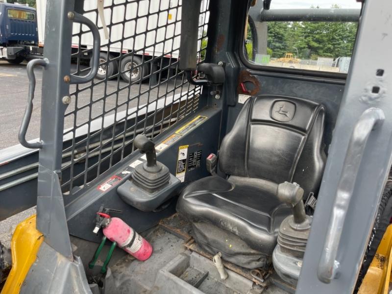 JOHN DEERE 320 D SKID STEER 2012 price $23,900
