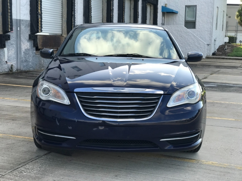 CHRYSLER 200 2014 price $4,400