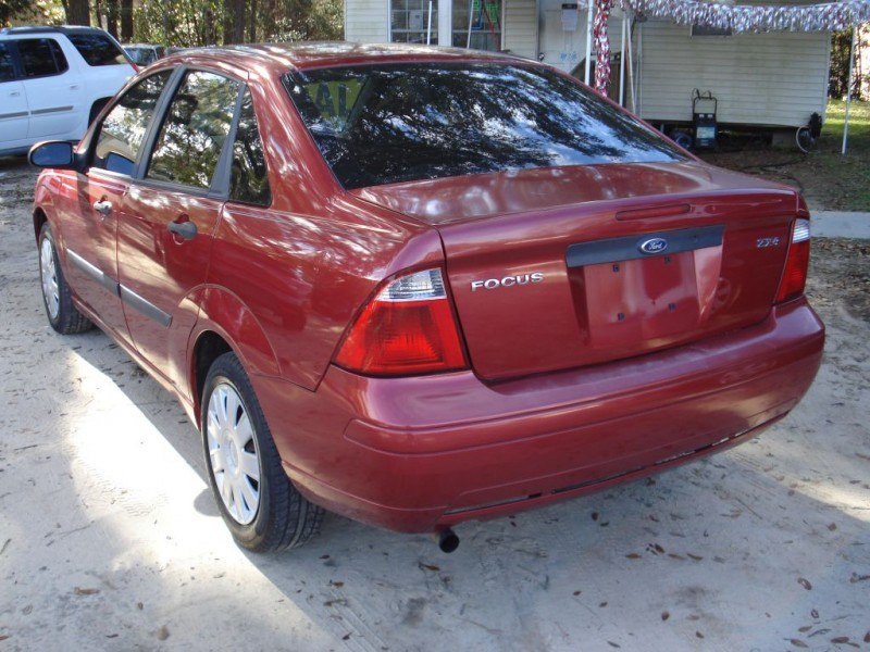 FORD FOCUS 2005 price $3,997