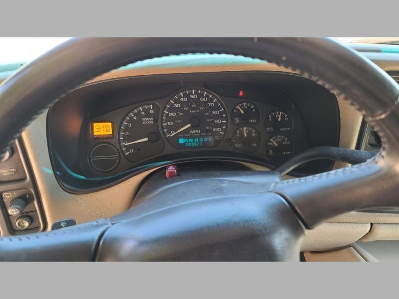 CHEVROLET SUBURBAN 2002 price $3,495