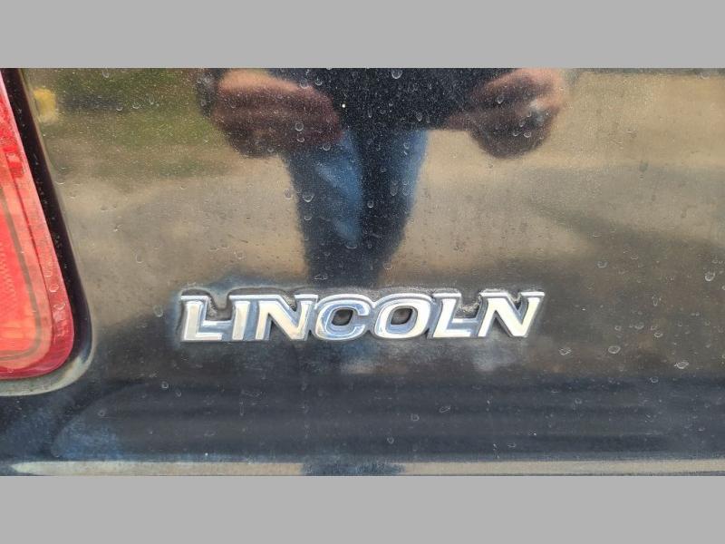 LINCOLN NAVIGATOR 2001 price $3,495