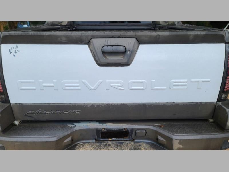 CHEVROLET AVALANCHE 2002 price $3,995