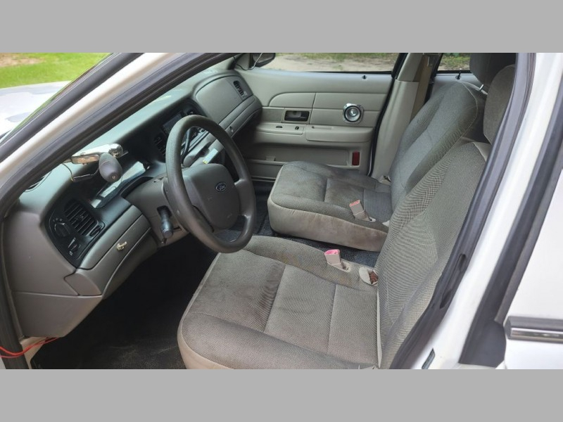 FORD CROWN VICTORIA 2008 price $2,495