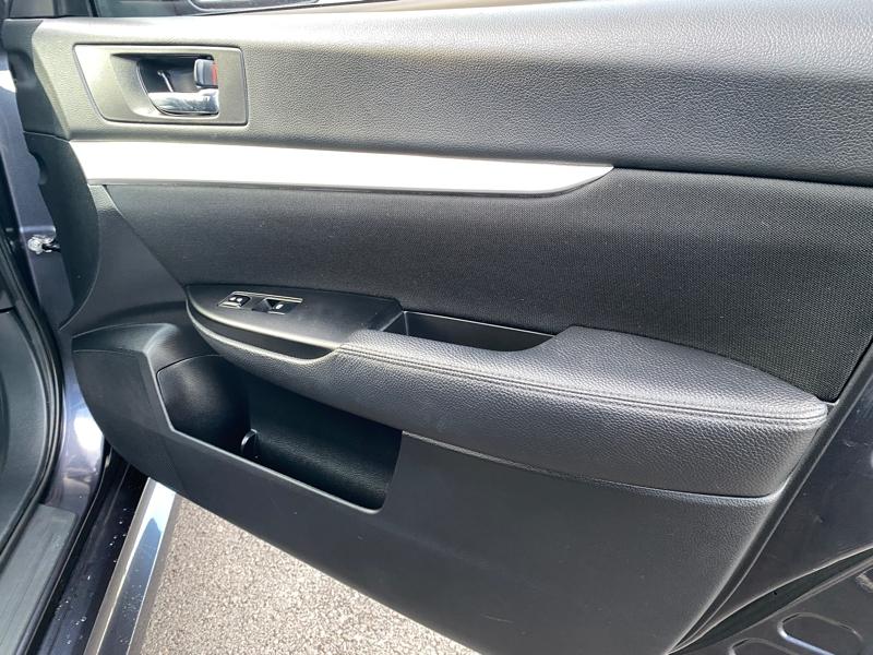 Subaru Legacy 2013 price $10,595