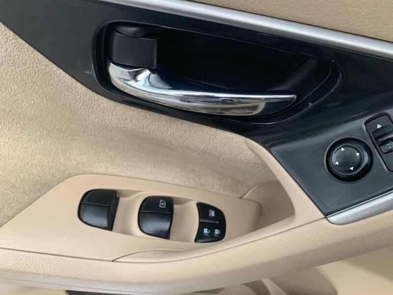 Nissan Altima 2013 price $8,595