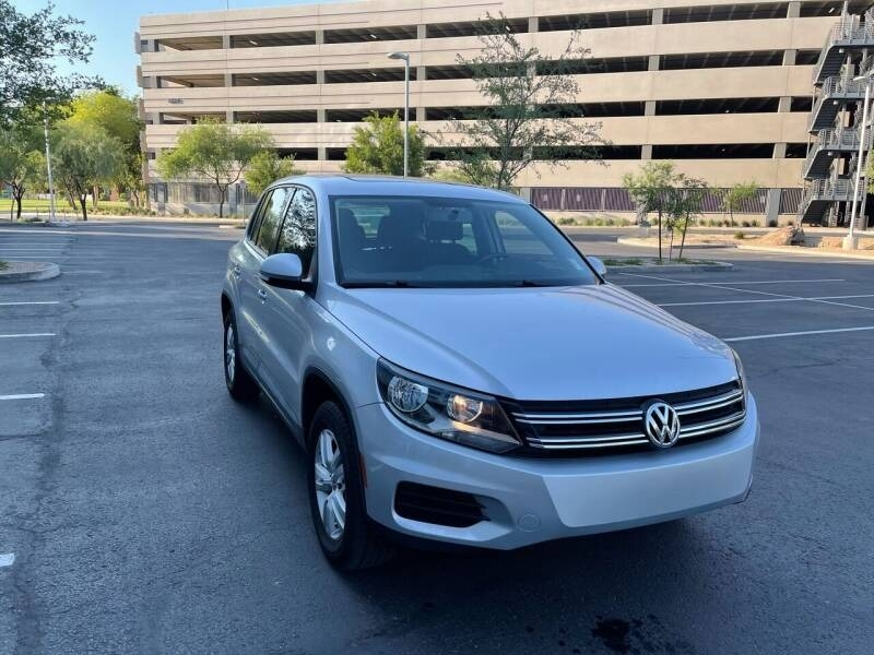 Volkswagen Tiguan 2013 price $13,700