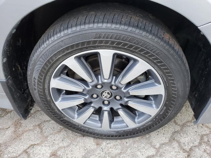 Toyota Sienna 2018 price $34,998
