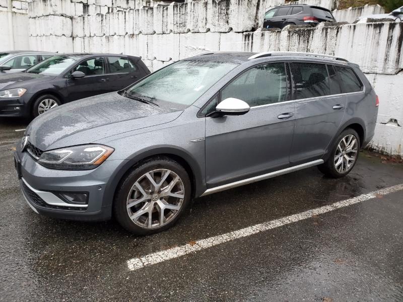 Volkswagen Golf Alltrack 2018 price $31,895