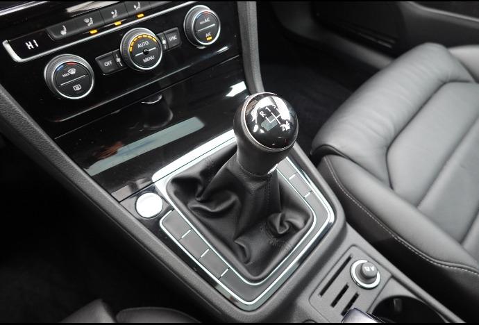 Volkswagen Golf 2018 price $23,701