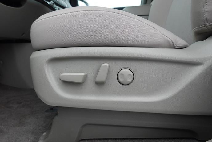 Kia Sedona 2020 price $28,143