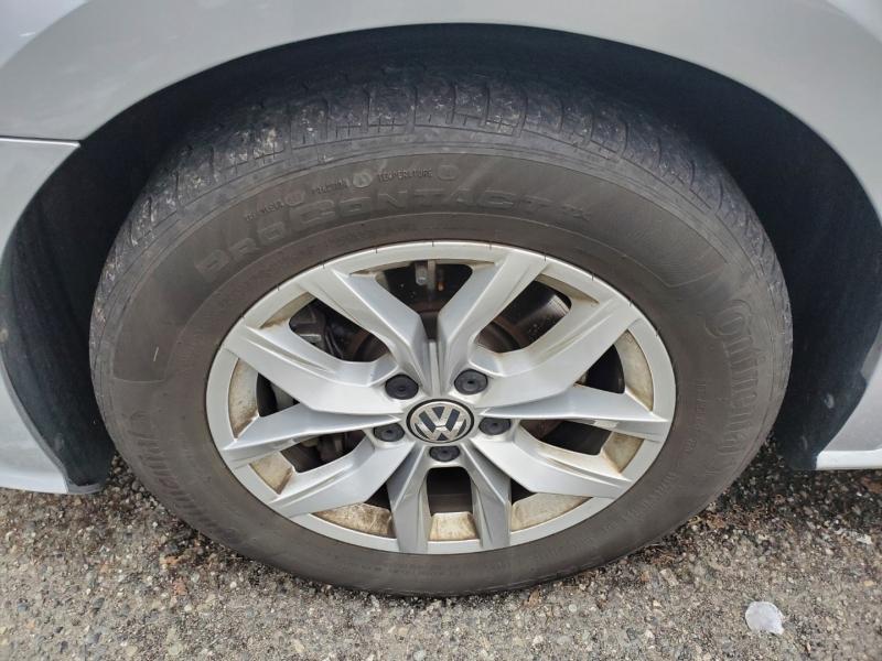 Volkswagen Passat 2017 price $16,995