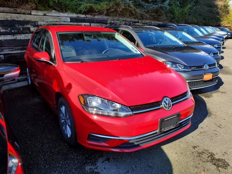Volkswagen Golf 2018 price $19,500