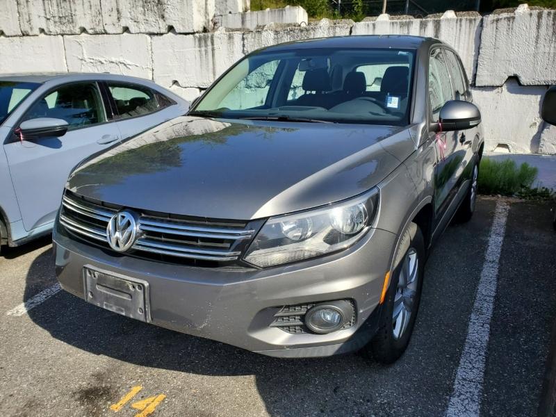 Volkswagen Tiguan 2012 price $9,288