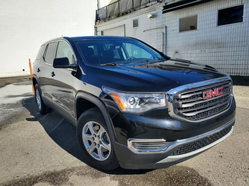 GMC Acadia 2017 price $27,988