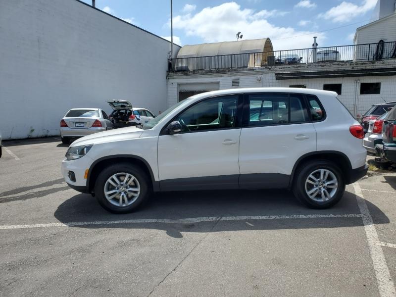 Volkswagen Tiguan 2013 price $11,488
