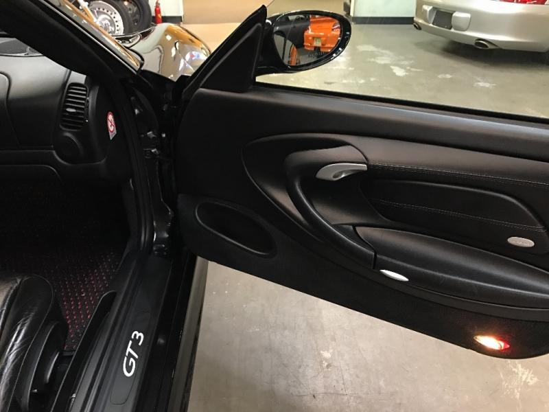 Porsche 911 2004 price $76,000