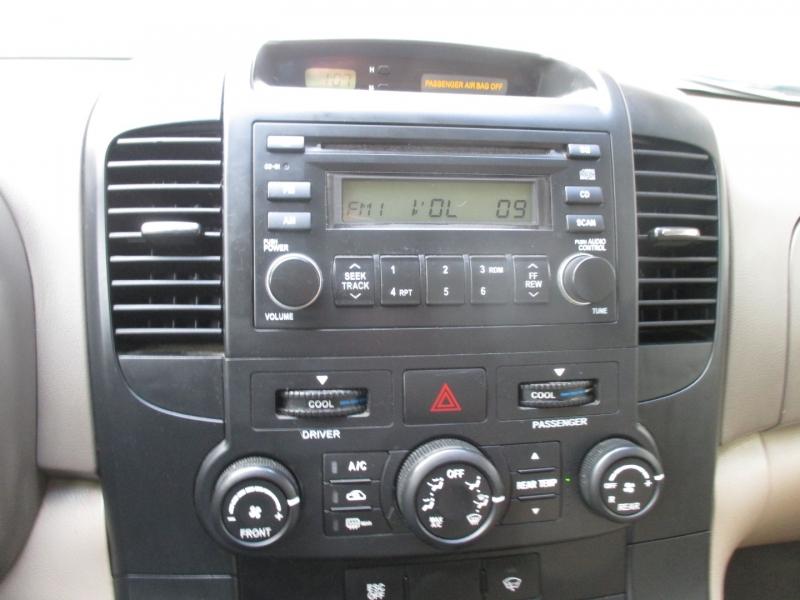 Kia Sedona 2008 price $3,995