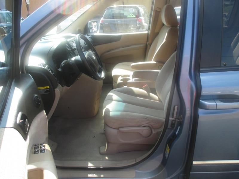 Hyundai Entourage 2007 price $5,749