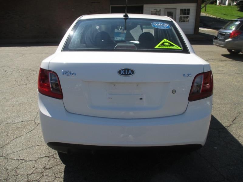 Kia Rio 2011 price $5,999
