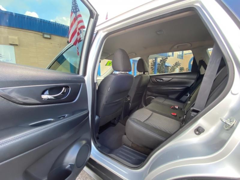 Nissan Rogue 2017 price 15900