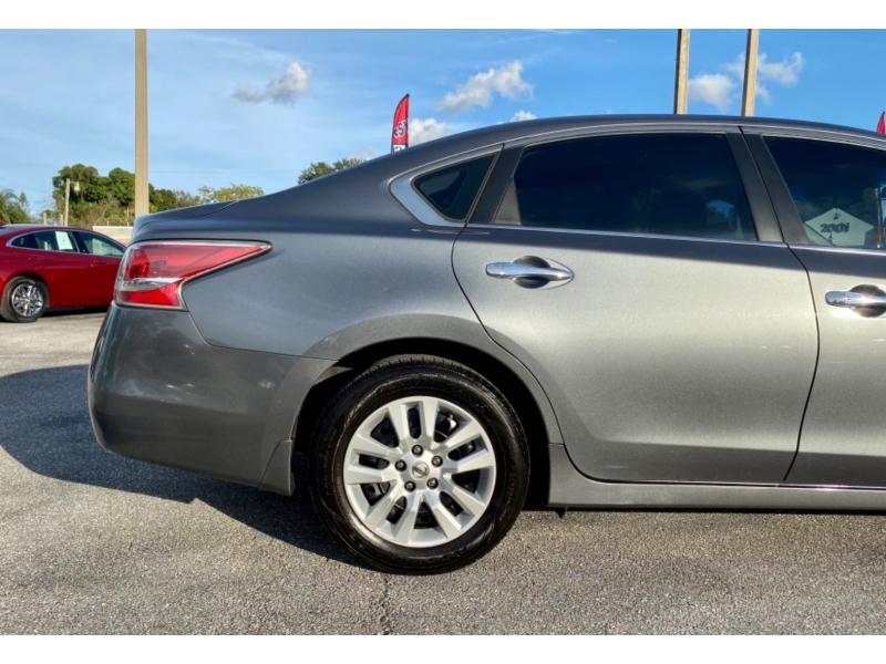 Nissan Altima 2014 price 9990