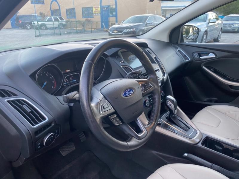 Ford Focus 2016 price $12,900