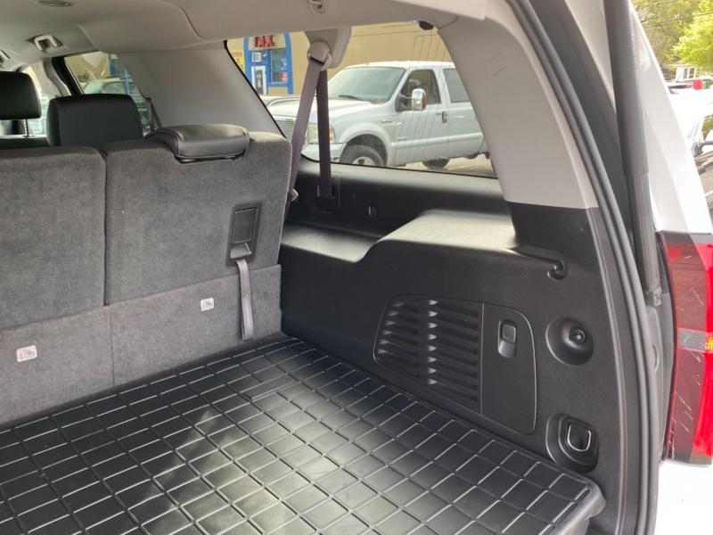 Chevrolet Suburban 2016 price $27,900