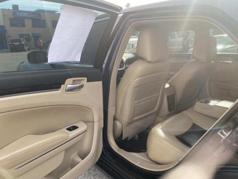 Chrysler 300 2011 price $10,900