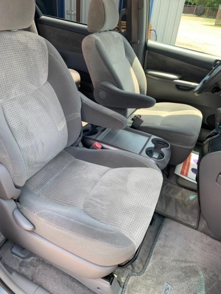 Toyota Sienna 2007 price $9,950