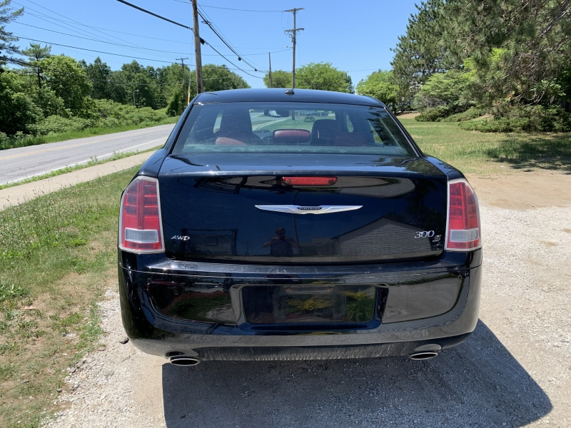 Chrysler 300-Series 2012 price $11,985