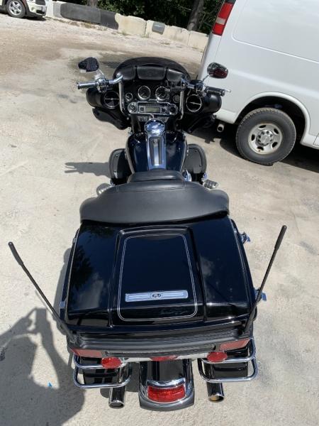 Harley-Davidson FLHTCU 2011 price $10,985