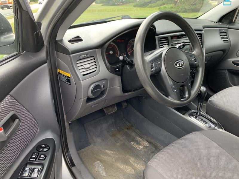 Kia Rio 2011 price $4,885