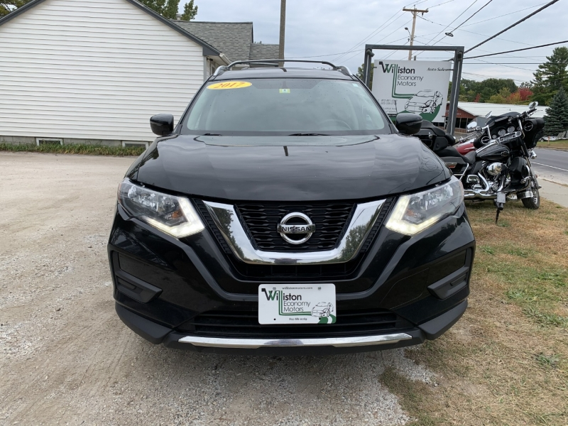 Nissan Rogue 2017 price $15,985