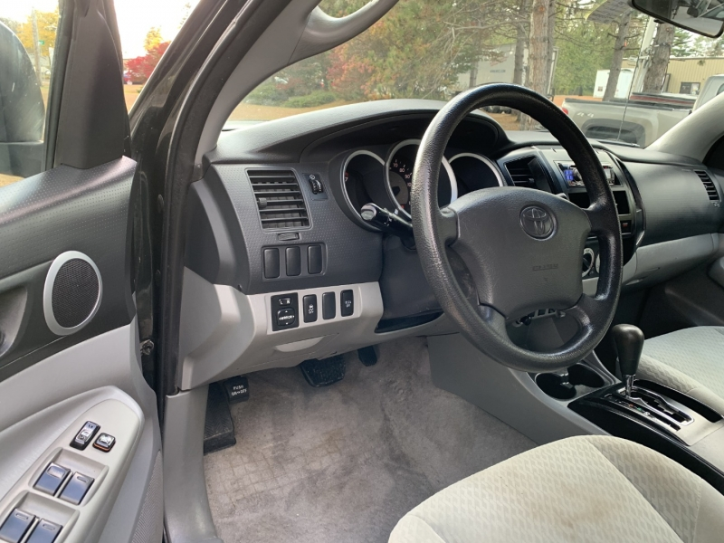 Toyota Tacoma 2010 price $16,895