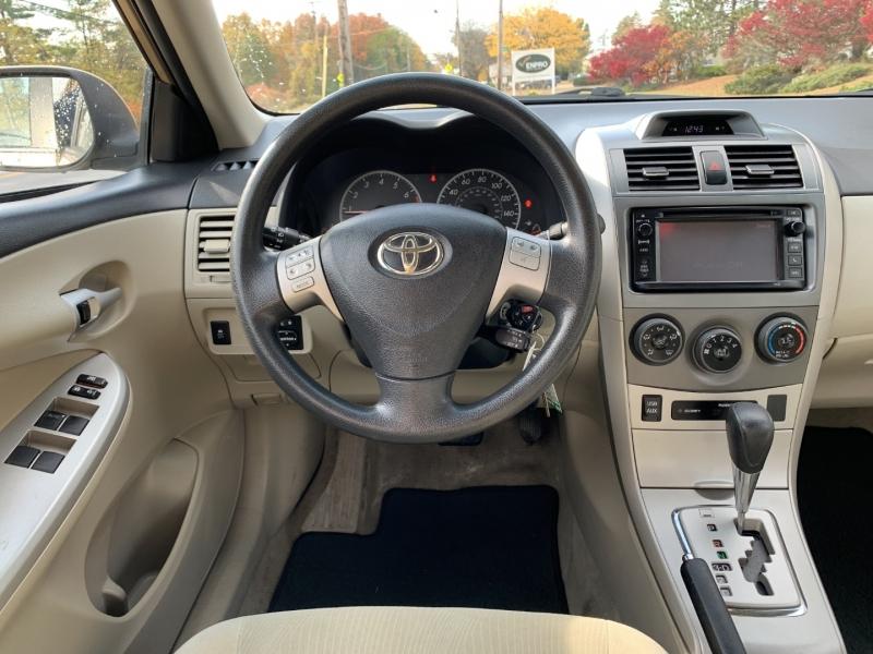 Toyota Corolla 2013 price $7,985