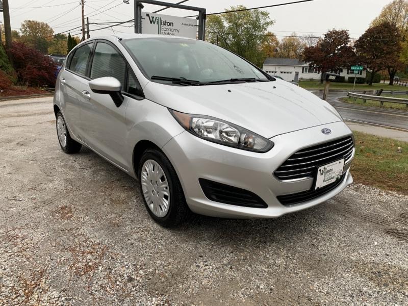 Ford Fiesta 2014 price $5,885